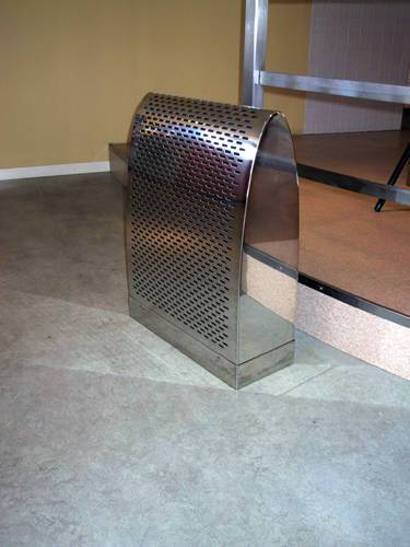 Specialdon för fristående golvmontage. Anslutning 160 mm. Flöde 50 l/s. Material : Blankpolerat, rostfritt stål.