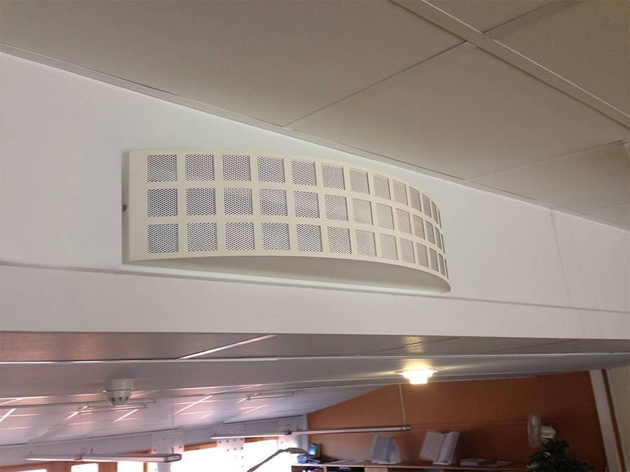 Polman´s BKB bågformat bostadsdon för väggmontage.