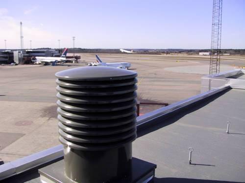 Takhuv enligt arkitektens önskemål. Arlanda airport.