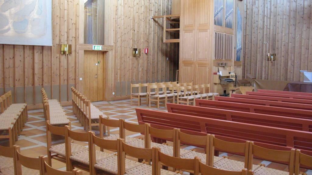 Gottsunda kyrka Infällt don i befintlig panel