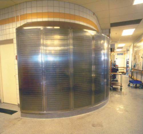 Specialvariant på ett standard hygiendon. Flera tilluftsdon sammanbyggda i en båge. Lutande översida. Anslutning underifrån. Totalt flöde 2300 l/s.