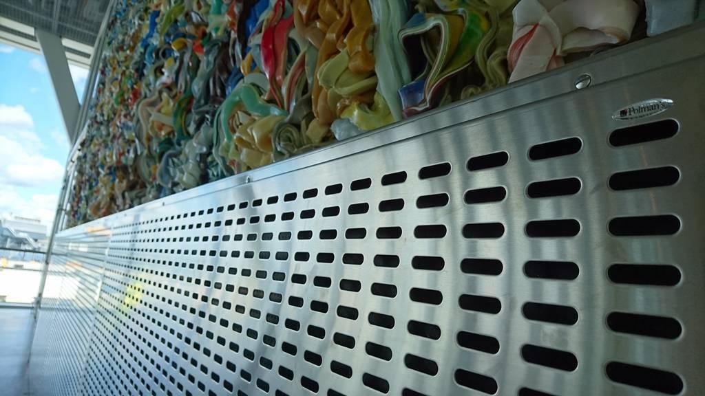 Specialtillverkade rostfria paneler, Värtaterminalen Stockholm.